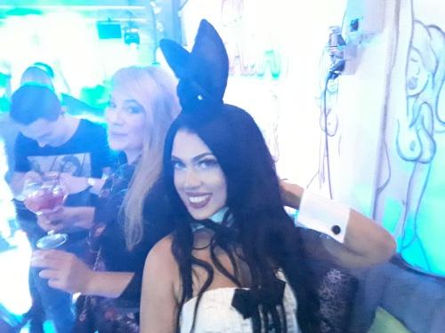 Even een selfie maken met onze sexy playboy bunny