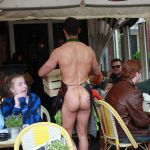 Naakte butler in Amsterdam