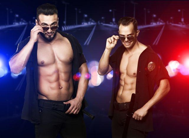 Strippers Kevin en Ferdi als politie agent