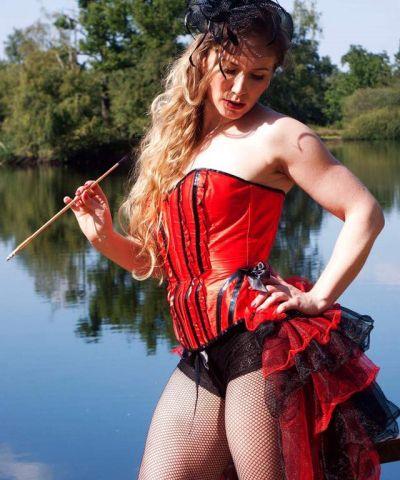 Moulin rouge striptease show