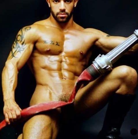 Stripteaseur Amon Ra