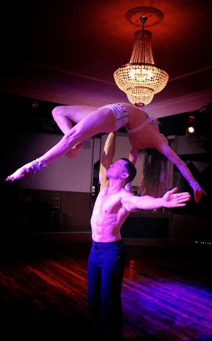 ALT=partner acrobatiek show