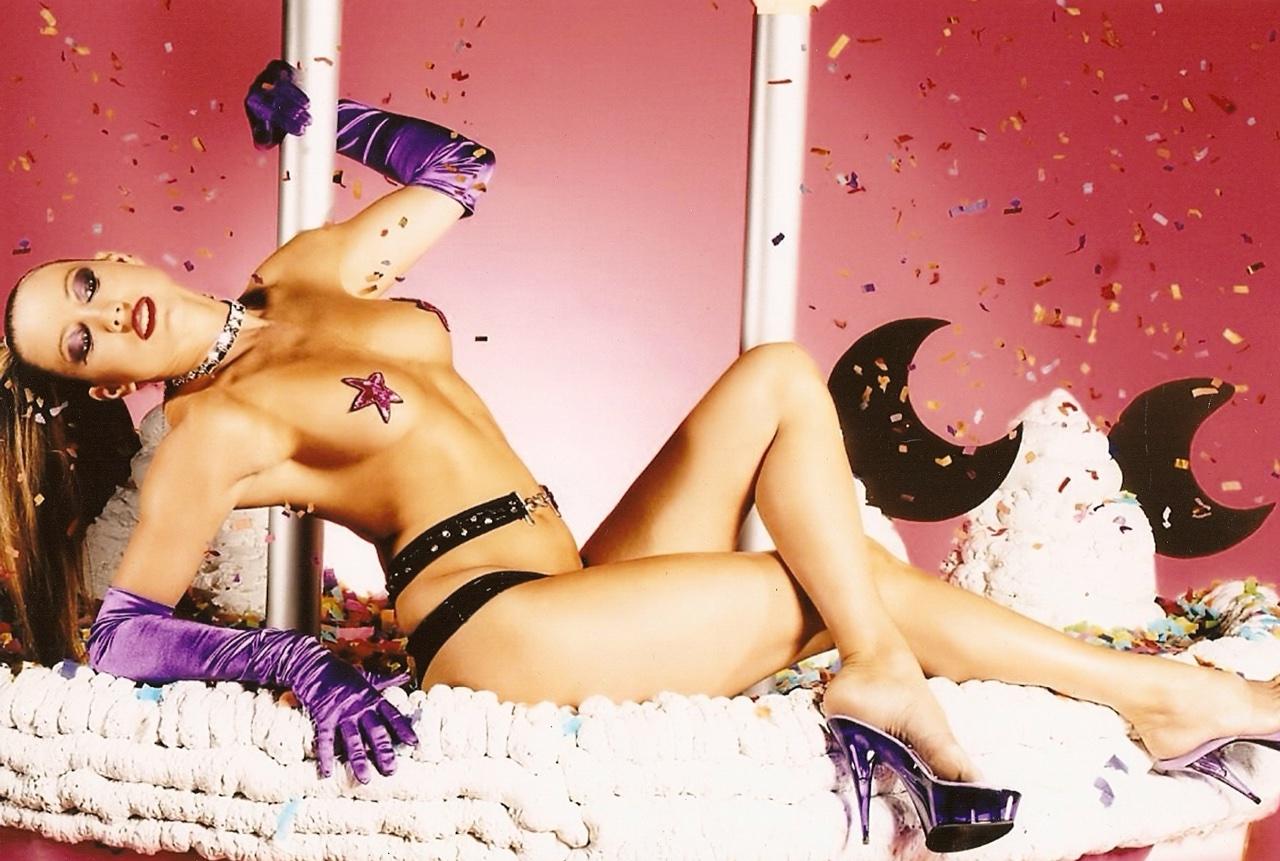 Striptease Michele tijdens de foto shoot voor LINDA magazine